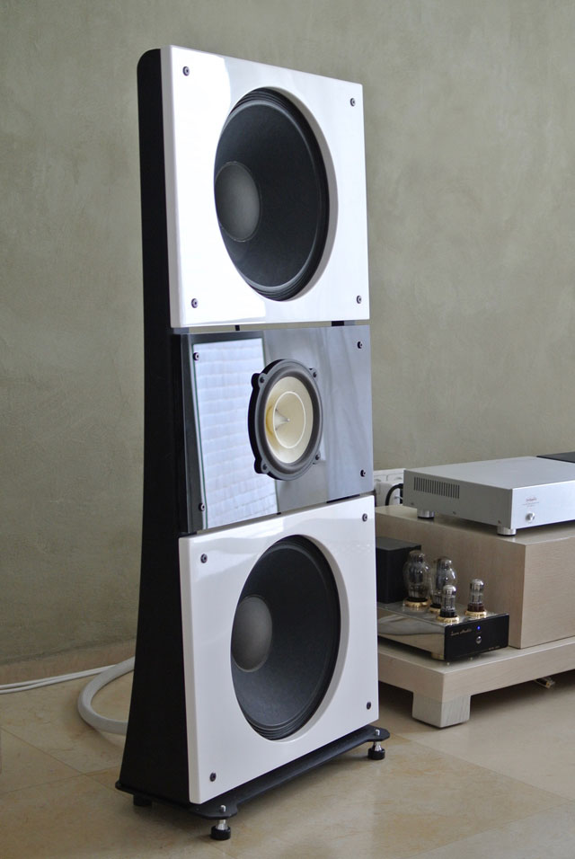 OB-Trio15-Voxativ-Open-Baffle-Speakers-by-PureAudioProject-DSC_3762.jpg
